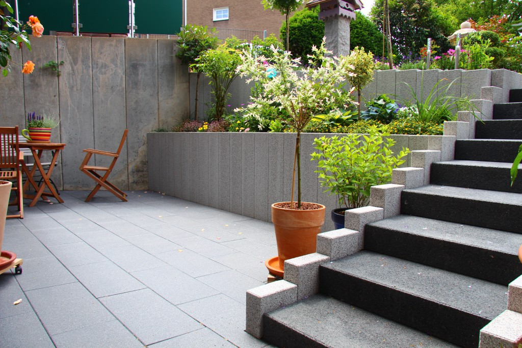 platten verlegen garten und landschaftsbau gartenbau feick wuppertal. Black Bedroom Furniture Sets. Home Design Ideas
